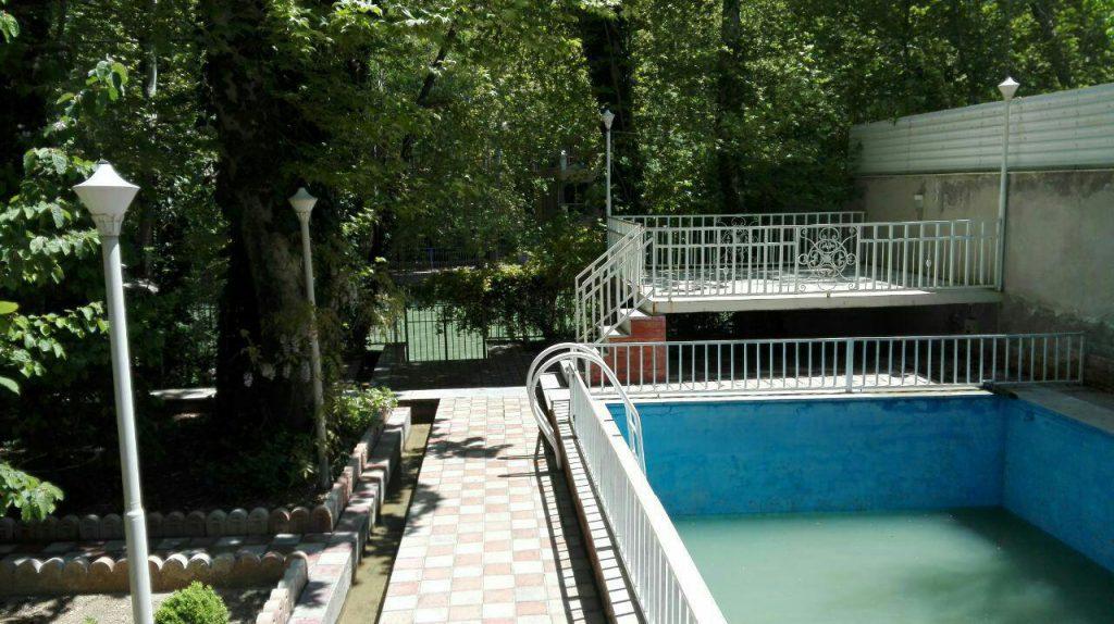 اجاره ویلا باغ بهادران کناررودخانه یک خوابه