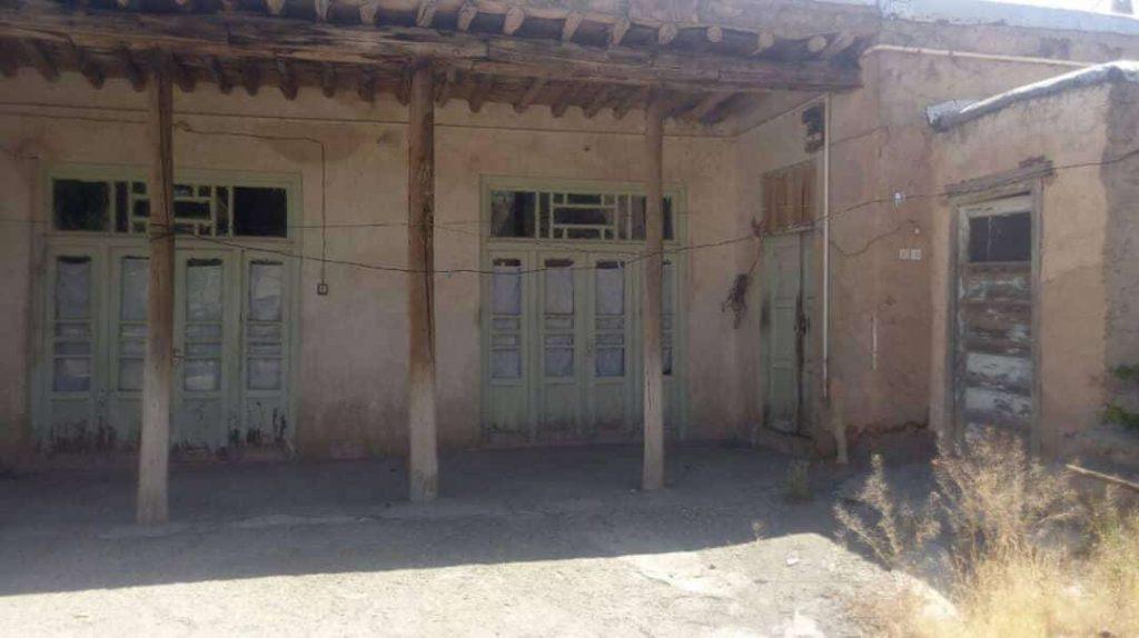 فروش خانه کلنگی در باغ بهادران-قیمت خرید ویلا در باغبهادران